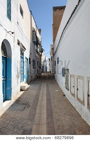 old  city of the narrow street