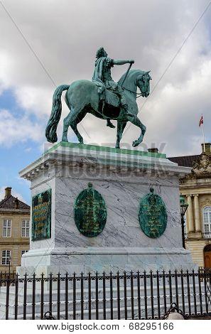Frederick V Statue