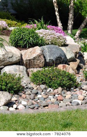Muro de contención de piedra