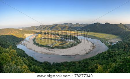 Hoeryongpo Betrenched Meander