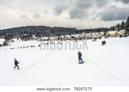 Families Enjoy The Snow In Koenigstein
