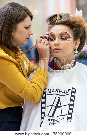 Makeup Artist Makes Girl Makeup