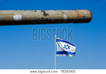 Barrel Of Tank And Israelien Flag