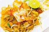 picture of egg noodles  - thai stir fried noodles with shrimp and egg - JPG