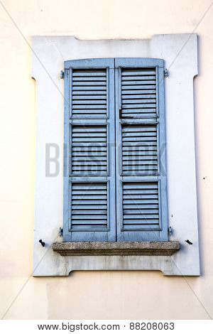 Shutter Europe  Italy  Lombardy      In  The Milano  Window Closed Brick