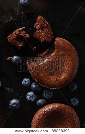 chocolate cake with blueberries