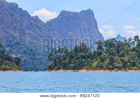 Khao sok park, mountain and lake