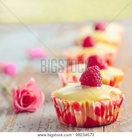 cupcake with raspberry