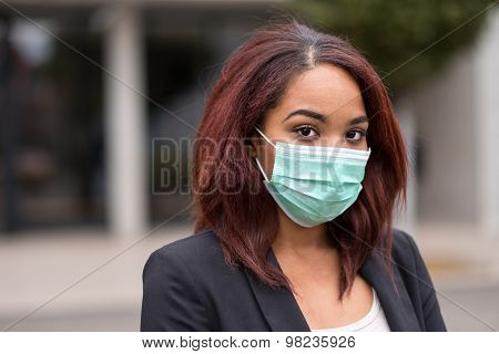 Afro-american Businesswoman Wearing Health Mask