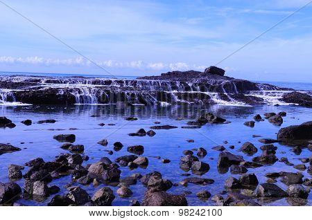 Tide waterfalls
