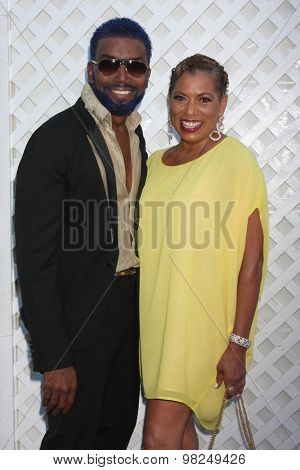 LOS ANGELES - AUG 8:  Norwood Young, Rolanda Watts at the 17th Annual HollyRod Designcare Gala at the The Lot on August 8, 2015 in West Hollywood, CA