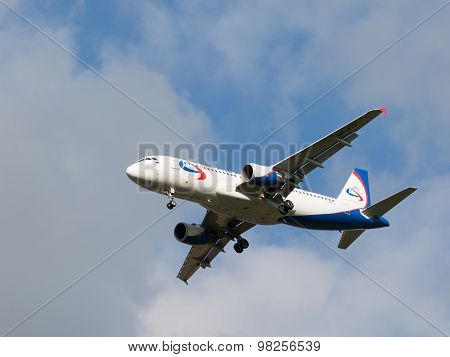Passenger Plane Airbus A320-214 Ural Airlines