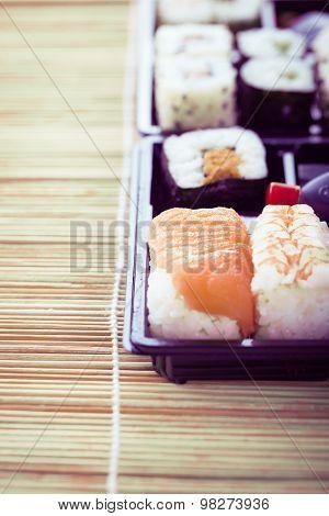 Neat Sushi Box