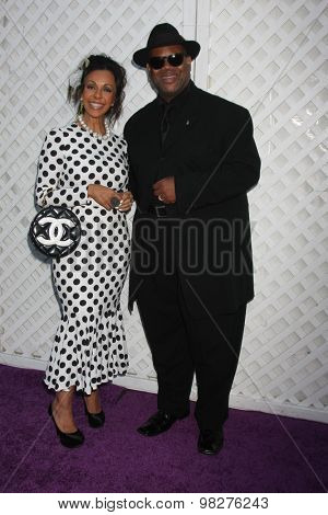 LOS ANGELES - AUG 8:  Lisa Harris, Jimmy Jam Harris at the 17th Annual HollyRod Designcare Gala at the The Lot on August 8, 2015 in West Hollywood, CA