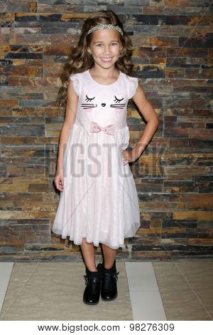 LOS ANGELES - AUG 8:  Brooklyn Rae Silzer at the General Hospital Fan Club Luncheon Arrivals at the Embassy Suites Hotel on August 8, 2015 in Glendale, CA