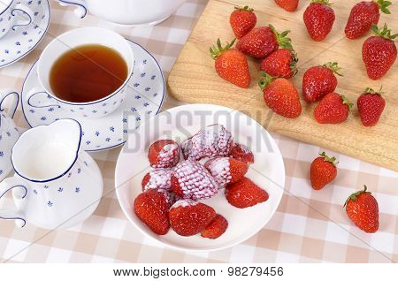 Strawberries With Tea And Cream