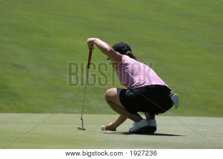 Lady Golf Putting