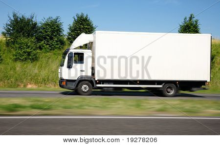 White truck speed