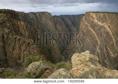 Black Canyon of a Gunnison, no Colorado, EUA. Concentrar-se no canyon