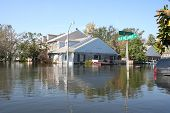 foto of katrina  - this photo shows the flooding incurred in new orleans after hurricane katrina - JPG