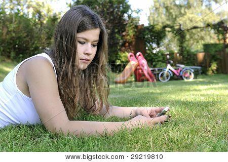 Adolescente con smart phone