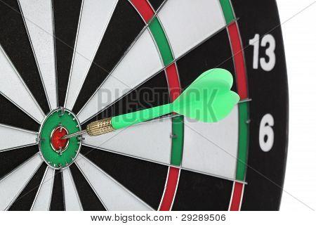 Dartscheibe Bull´s Auge. isoliert auf weißem Hintergrund