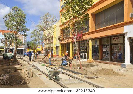 Nueva línea de tranvía en el centro de Oranjestad
