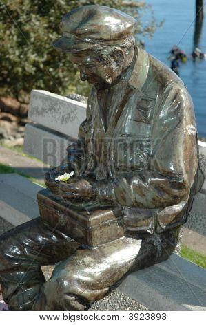 Braonze Statue