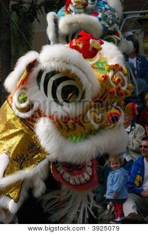 Dragón chino Festival en desfile