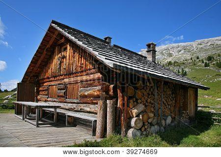 Alpine Hut - Dolomites