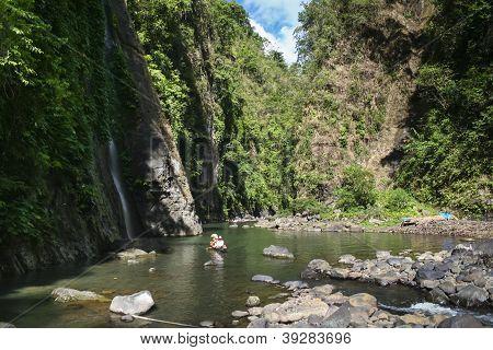 Pagsanjan cai Rio Tour Laguna Filipinas