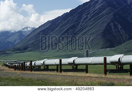 USA Alaska Dalton Highway pipeline in valley