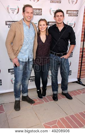 LOS ANGELES - AUG 10:  Chris Lowell, Kristen Bell, Ryan Hansen at the Invisible Children Fourth Estate's Founders Party at the UCLA on August 10, 2013 in Westwood, CA