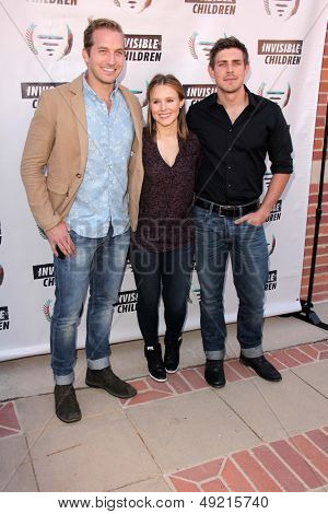 LOS ANGELES - AUG 10:  Chris Lowell, Kristen Bell, Ryan Hansen at the Invisible Children Fourth Estate's Founders Party at the UCLA on August 10, 2013 in Westwood, CACLA on August 10, 2013