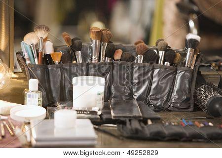 Cepillos cosméticos profesionales en tocador