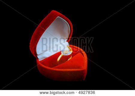 Pearl Ring In Fancy Box