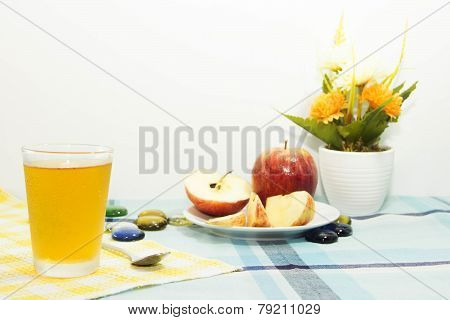 Apple Juice With Apple Sliced On Tablemat