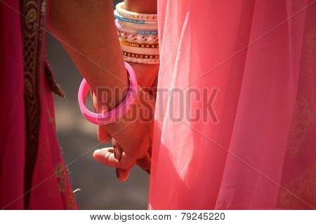 Hand In Hand, love in India