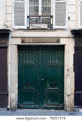 Wooden door. Paris, France