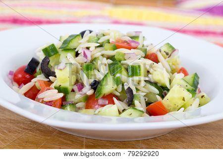 Mediterranean greek orzo pasta salad