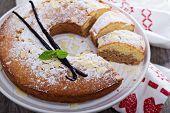pic of cake stand  - Vanilla - JPG