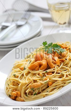 pasta with sea urchin roe, italian cuisine