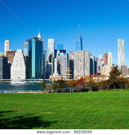 Lower Manhattan skyline view from Brooklyn Bridge Park in New York City