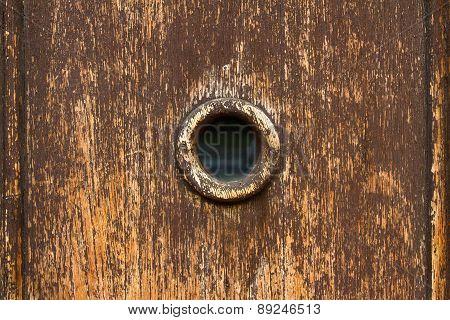 Spy hole