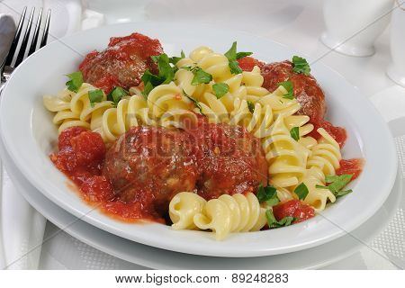 Pasta With Meatballs In Tomato Sauce