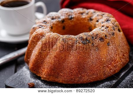 Cake with raisin