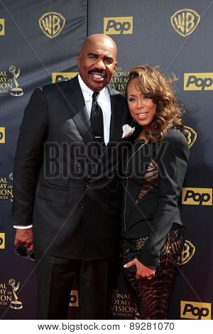 BURBANK - APR 26: Steve Harvey, wife Eloise at the 42nd Daytime Emmy Awards Gala at Warner Bros. Studio on April 26, 2015 in Burbank, California