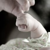 pic of born  - New born baby girl held by her mother - JPG