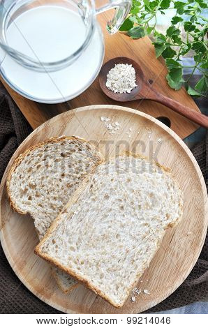 Wheat Bread With Milk And Oat