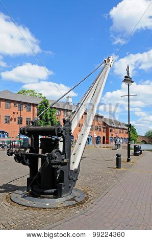 Crane in Coventry canal basin.